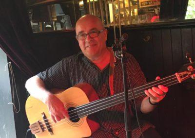 Evert Willemstijn op akoestische bas